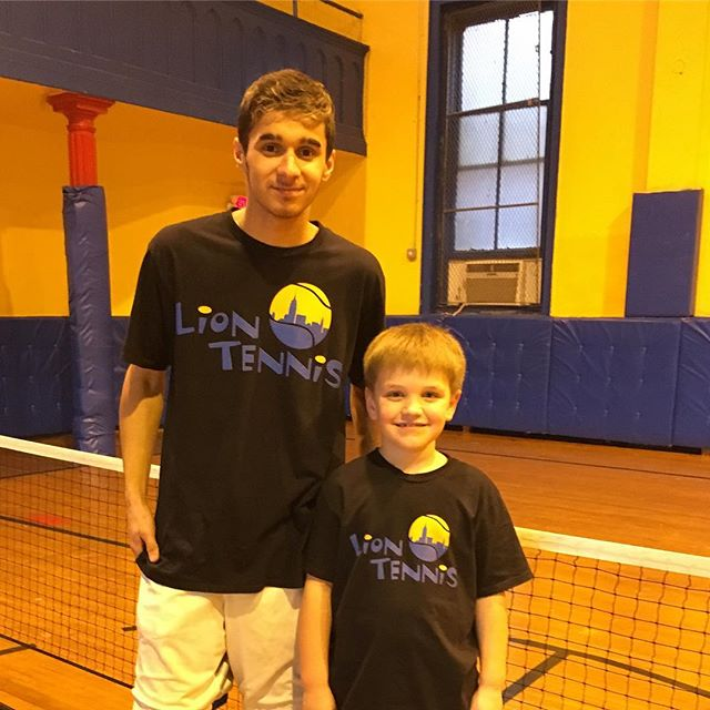 Daylight Savings Time means outdoor tennis classes are coming #daylightsavings #sunshine #summerinbrooklyn #liontennis #mondaymotivation #tenniscoach #keepmovingforward #brooklynkids #kidstennis #umh_kids #parkslope #prospectheights #carrollgardens #cobblehill #prospectpark #brooklynheights