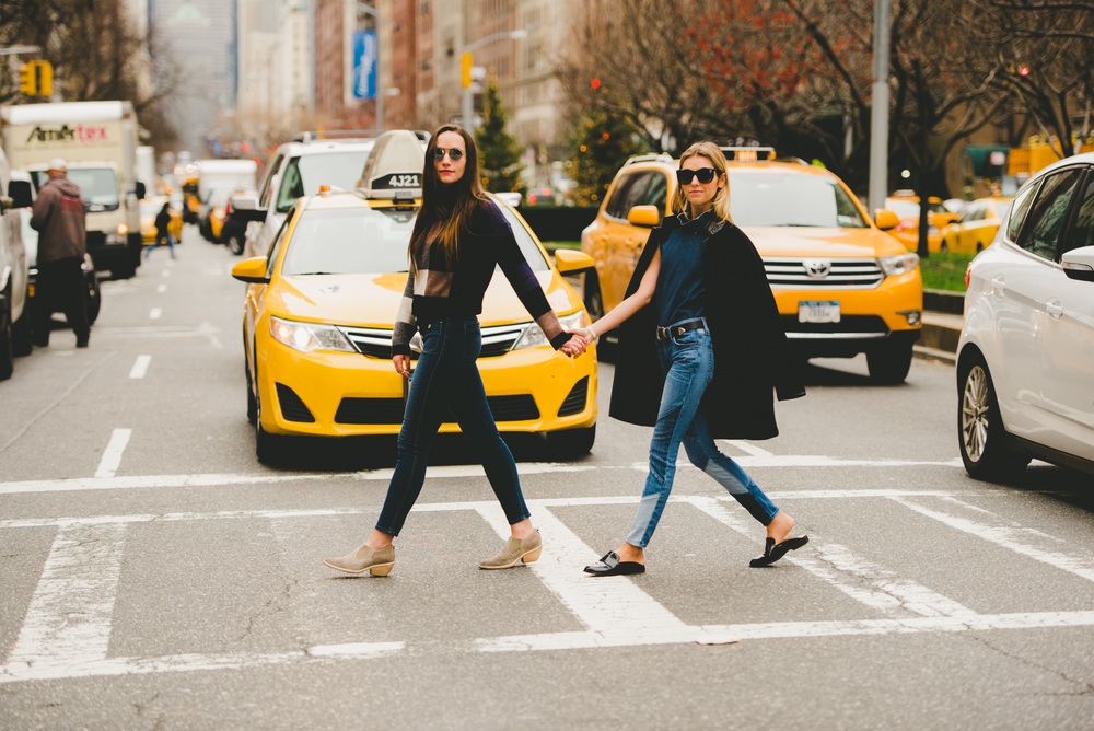 NYC Fashion Bloggers Sisters WIth Yellow Taxis