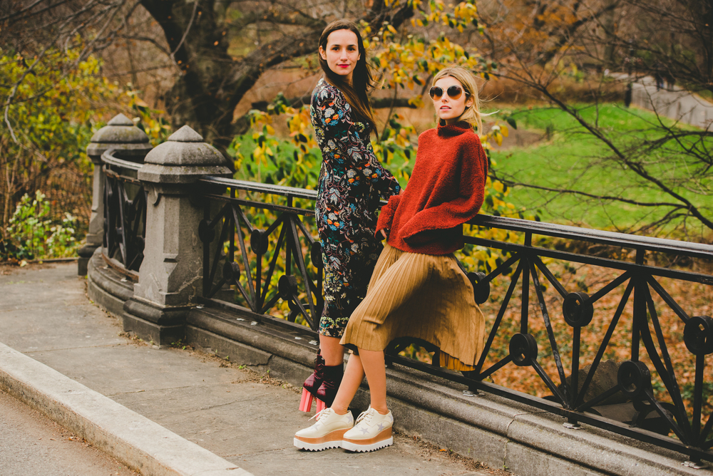 NYC Style SIster Fashion Bloggers on Central Park Bridge