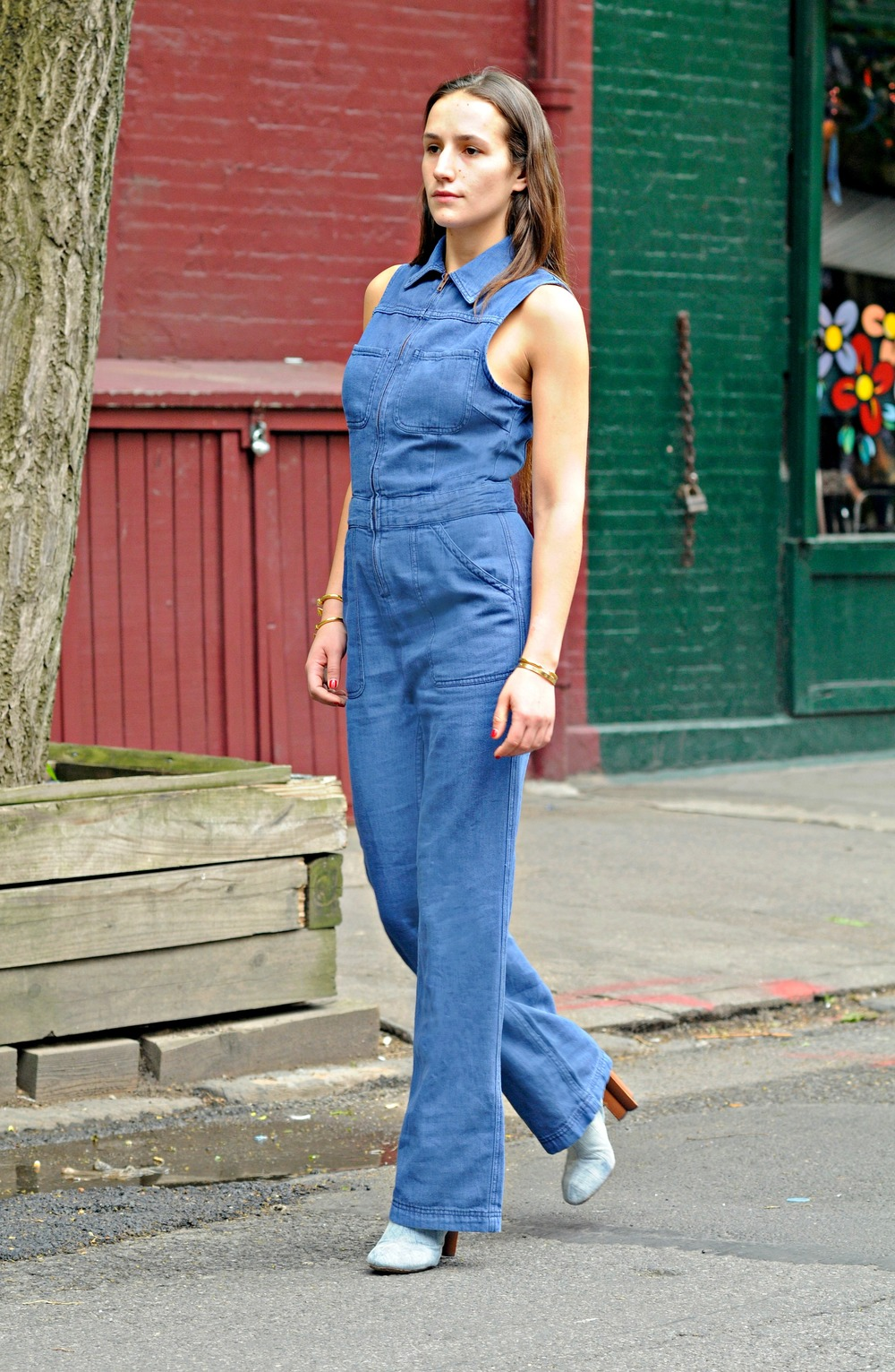 NYC FASHION BLOGGER SOPHIE BICKLEY FREE PEOPLE DENIM JUMPSUIT