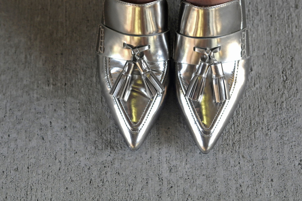 SILVER HEELS CLOSE UP