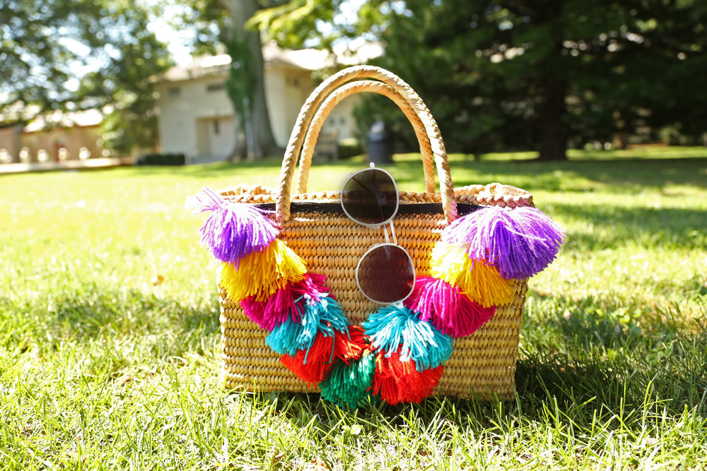 POM POM SQUARE STRAW BAG