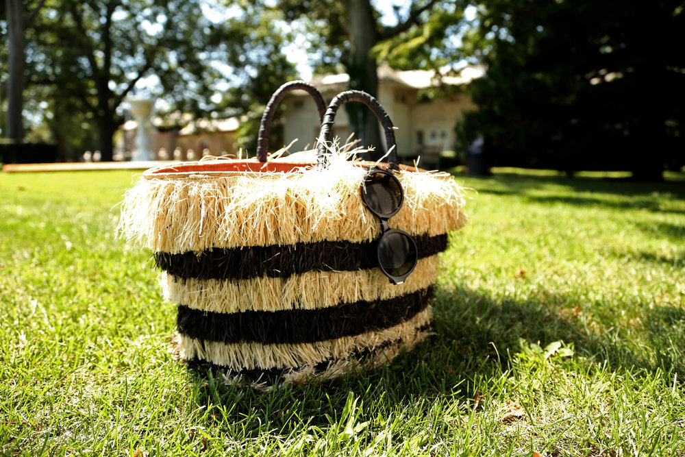 KAYU PINATA FRINGE BAG CLOSE UP