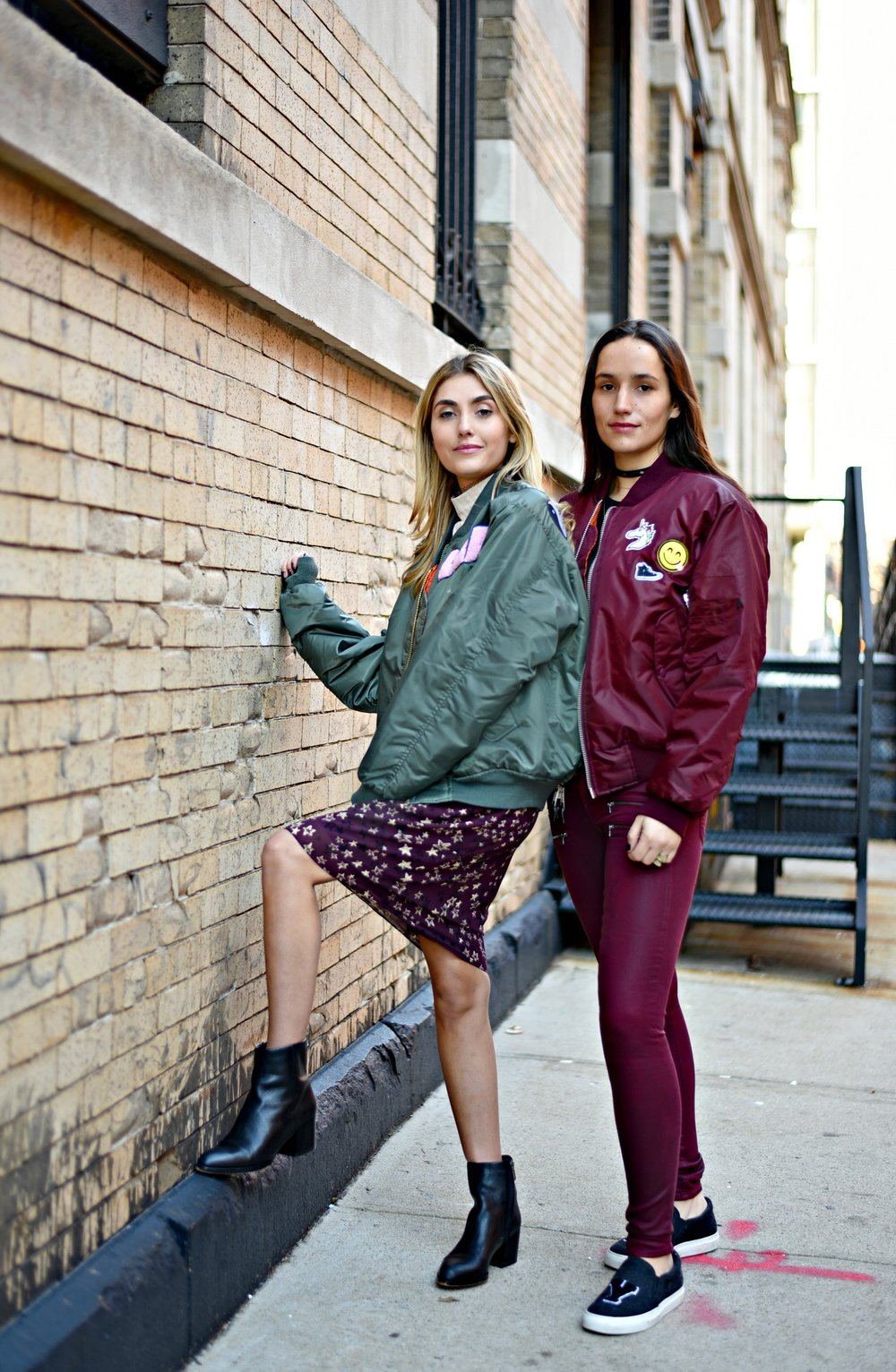 SOPHIE & CHARLOTTE BICKLEY YIN 2MY YANG SISTER FASHION BLOGGERS NYC UNEMPLOYED DENIM POST 1g.jpg