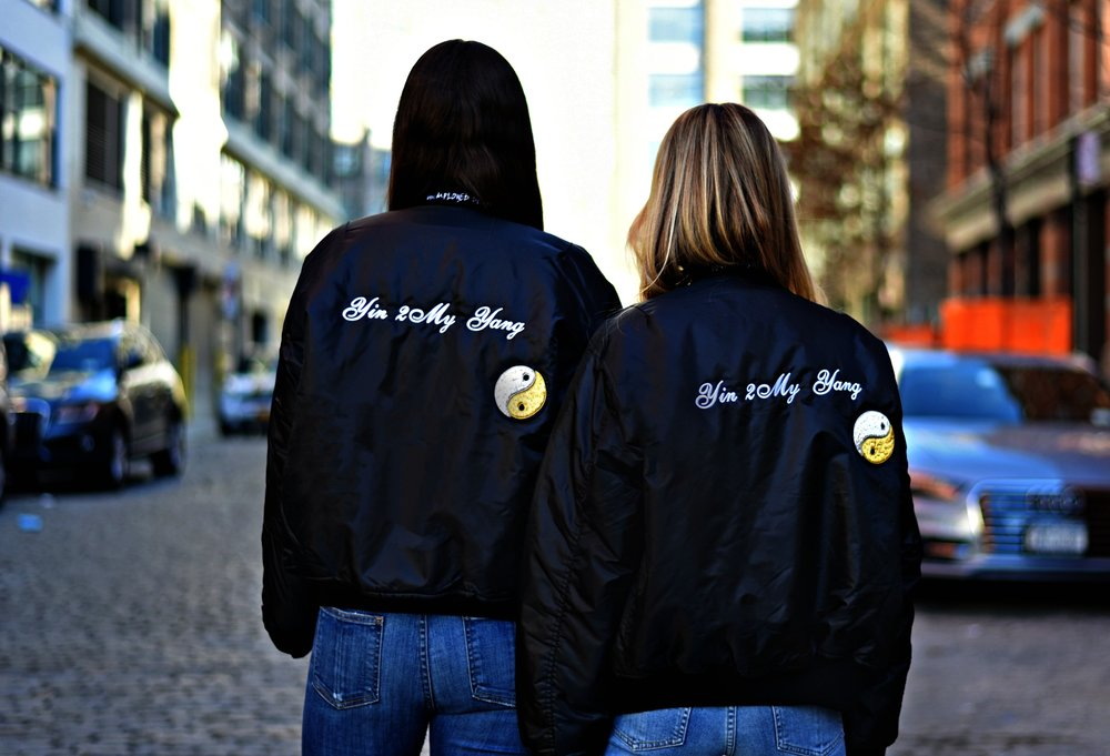 SOPHIE & CHARLOTTE BICKLEY YIN 2MY YANG SISTER FASHION BLOGGERS NYC UNEMPLOYED DENIM POST 6.jpg