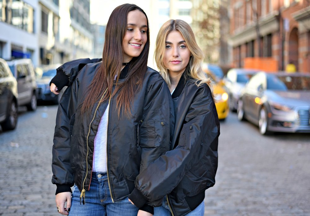 SOPHIE & CHARLOTTE BICKLEY YIN 2MY YANG SISTER FASHION BLOGGERS NYC UNEMPLOYED DENIM POST 10.jpg