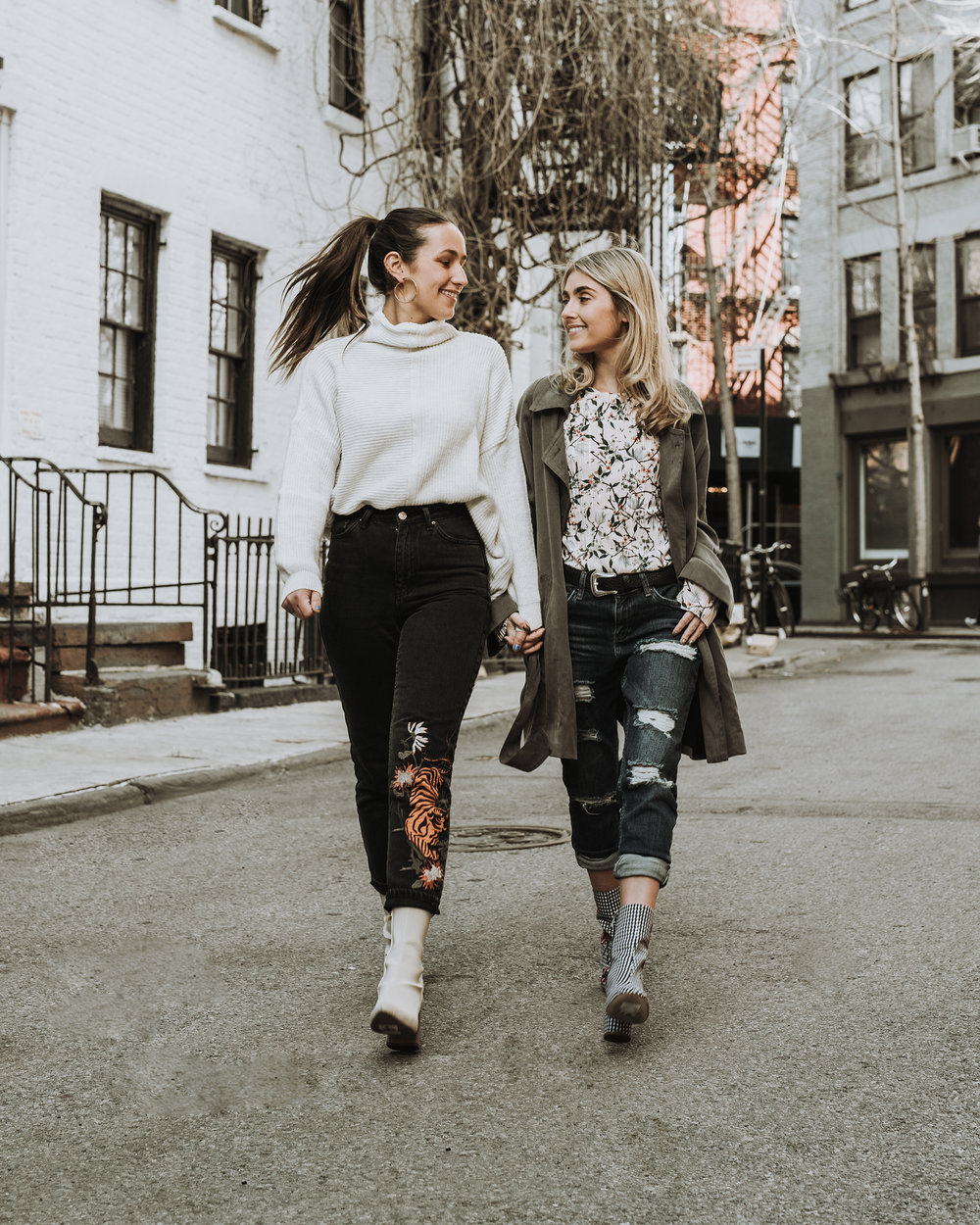 SOPHIE & CHARLOTTE BICKLEY YIN 2MY YANG SISTER FASHION BLOGGERS TOPSHOP DENIM POST