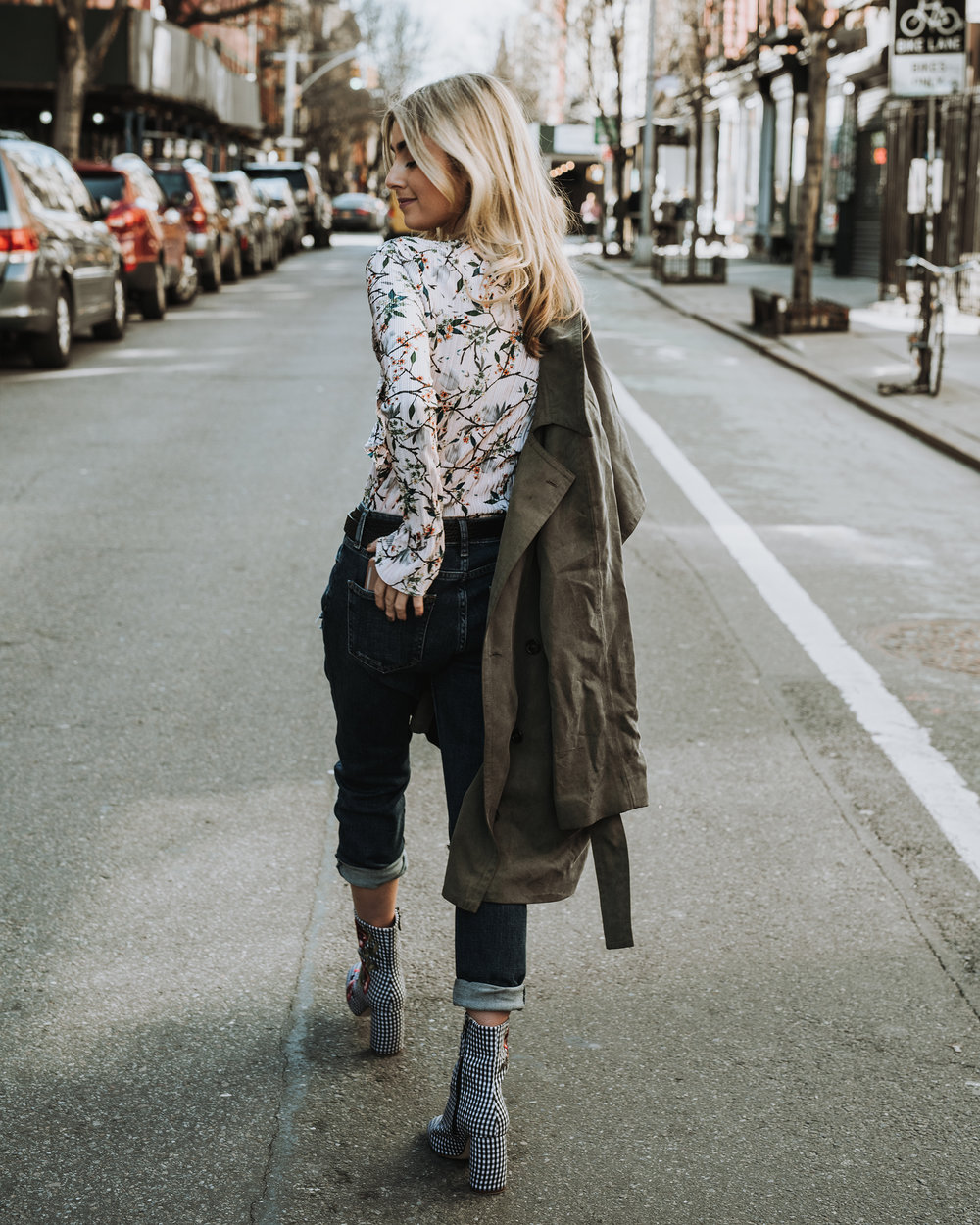 CHARLOTTE BICKLEY YIN 2MY YANG SISTER FASHION BLOGGERS TOPSHOP DENIM POST