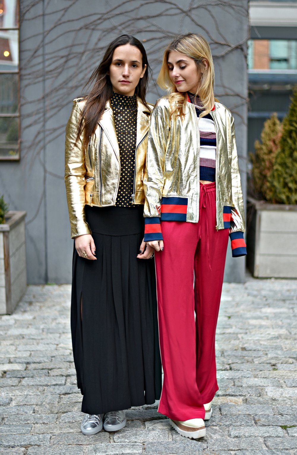 SOPHIE & CHARLOTTE BICKLEY FASHION BLOGGERS NYC METALLIC POST