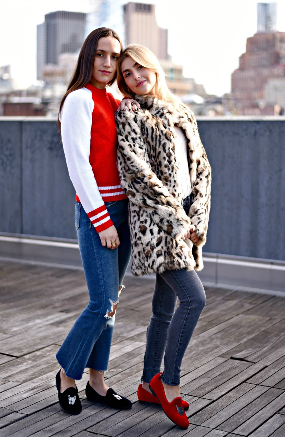 SOPHIE & CHARLOTTE BICKLEY YIN 2MY YANG SISTER FASHION BLOGGERS DEL TORO FRENCH BULLDOG SHOES POST