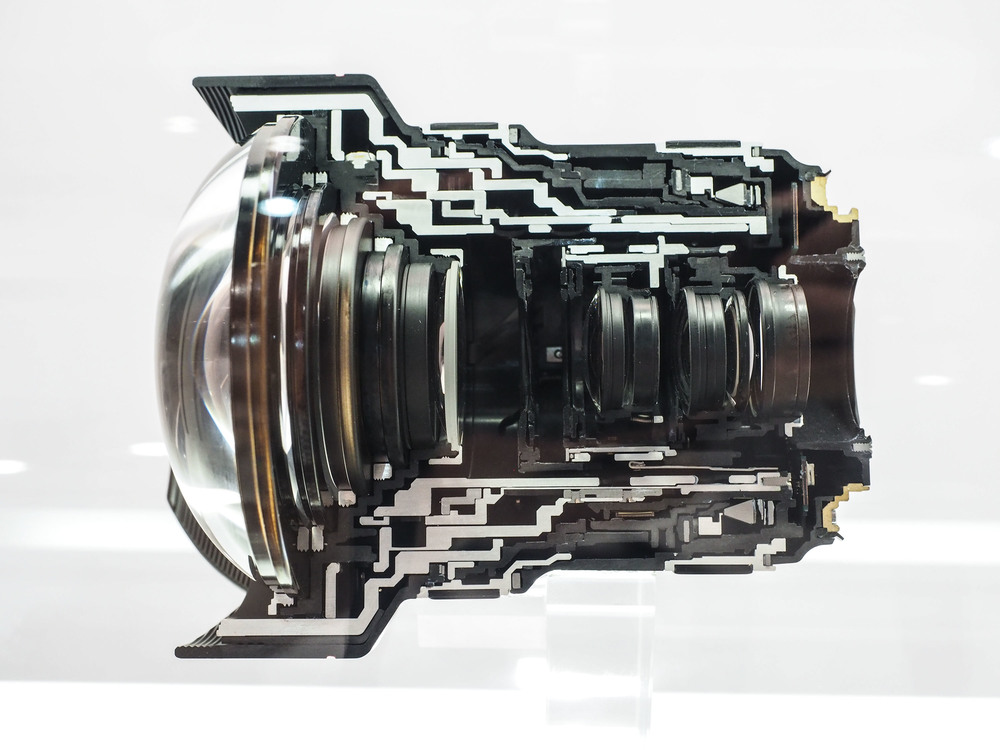 Canon 11-24 f/4L Cross Section