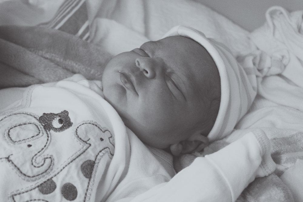 Baby Gabe at Hospital_034-2.jpg
