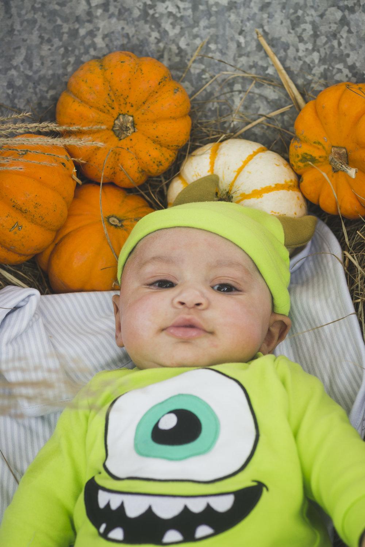 Gabes First Halloween-041.jpg