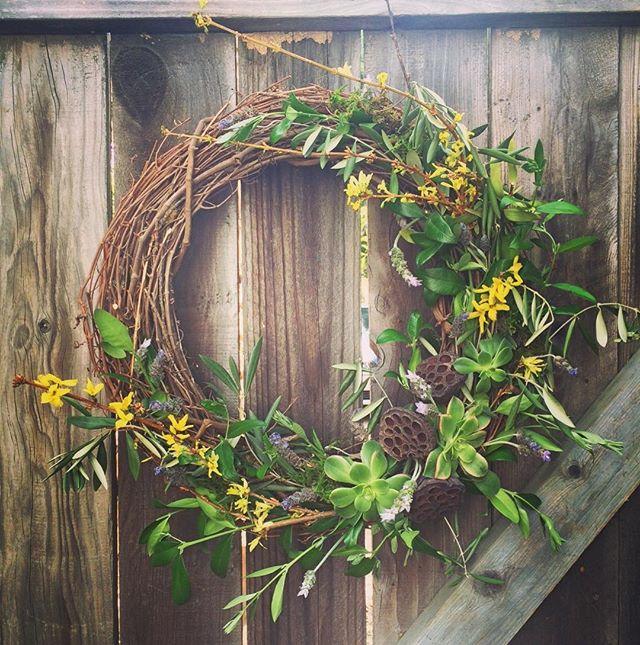 Eggcellent #junebloomfloral Easter Wreaths available! #wreathormadness #wreaths #easter #hostessgift #succulents #sandiegoflorist #laflorist #losangelesflorist #handmadewreath