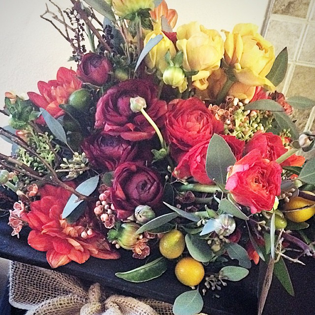 This colorful smorgasbord went out to Patricia Arquette to congratulate her on her Golden Globe! #flowers #floraldesign #ranunculus #junebloomfloral #losangeles #dahlia