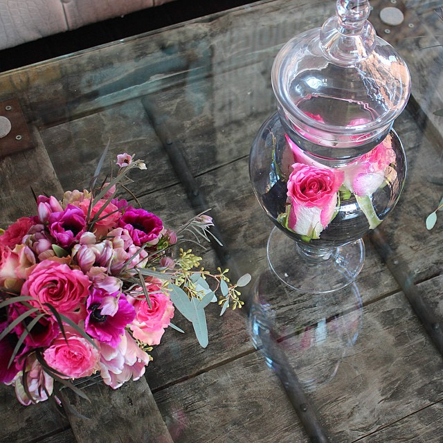Valentines Day Beauties at Saint Felix Hollywood #saintfelixhollywood #valentinesdayfloral #losangeles #floraldesign #apothecaryrose #junebloomfloral