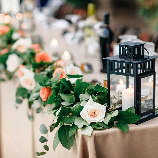 Some gorgeous photos from @katiemcgihon of the gorgeous @raemarielew wedding! Thanks for all the help @nikkivilven and @shannavilven #losangelesflorist #sandiegoflorist #bouganvillaestate #junebloomfloral