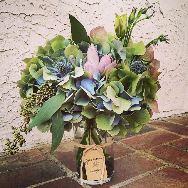 Easter Eggcellence #junebloomfloral #losangeles #hollywood #hydrangea #tulip #lisianthus #eucalyptus #naturalcolor #wedding #bouquet