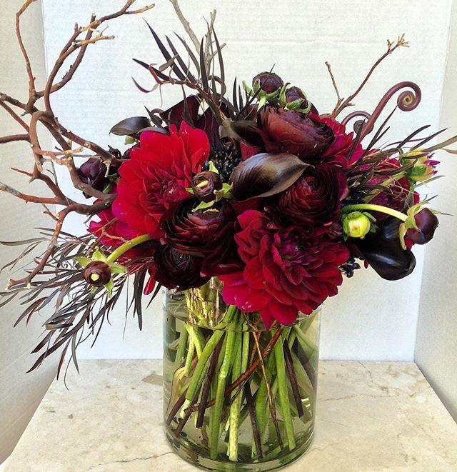 Birthday arrangement for @thekatvond today! 🌹💋💄#junebloomfloral #losangelesflorist #sandiegoflorist #laflorist