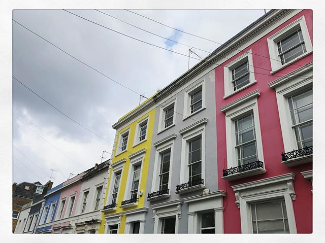 Known for being a cosmopolitan neighborhood, Notting Hill is a very fashionable area. Home to the annual Notting Hill Carnival and the Portobello Road Market
