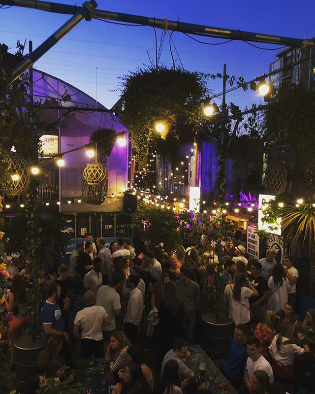 Food night markets offer some fun on the weekends and weekdays for foodies alike. Especially here at Pop Brixton, they have a variety of all foods from Chinese to Argentinian.