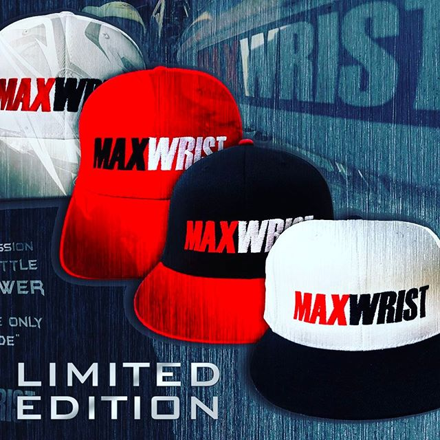 Fitted Hats 🔥Low Quantity 1️⃣ Link in bio 😈  Just launched new shop, still working on mobile...