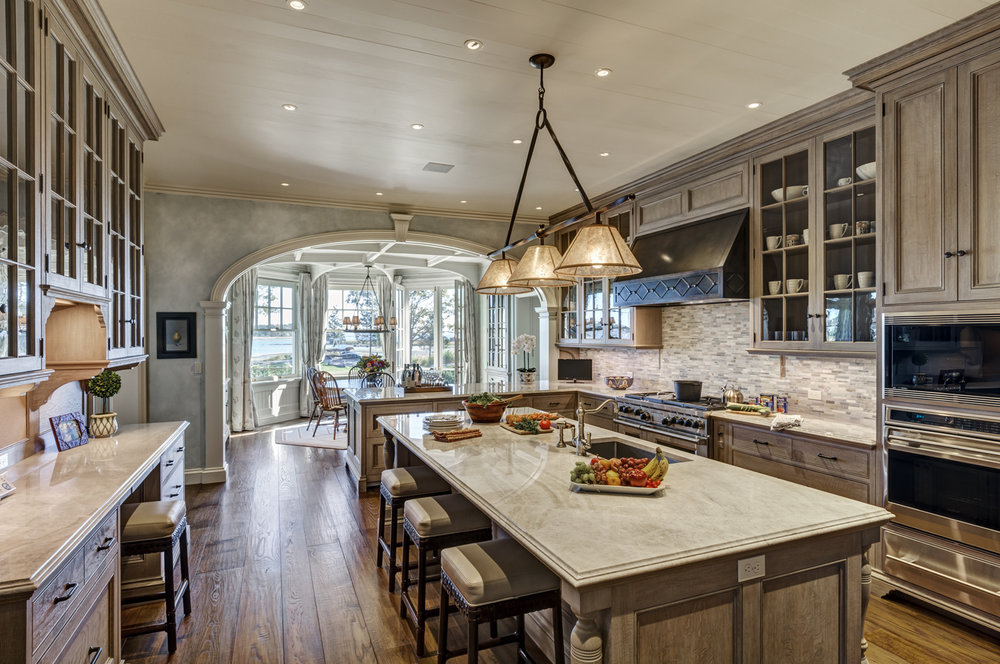 Waterfront-Colonial-kitchen-island-custom-millwork-riverside-ct-interior-w.jpg