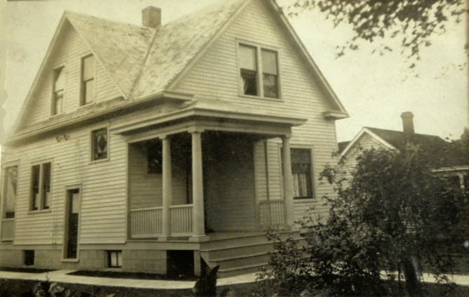 839 Hale Ave circa 1911.jpg