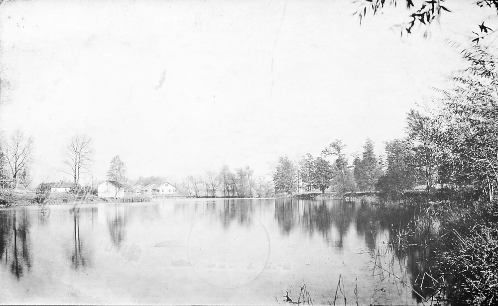 Leclaire Lake Park
