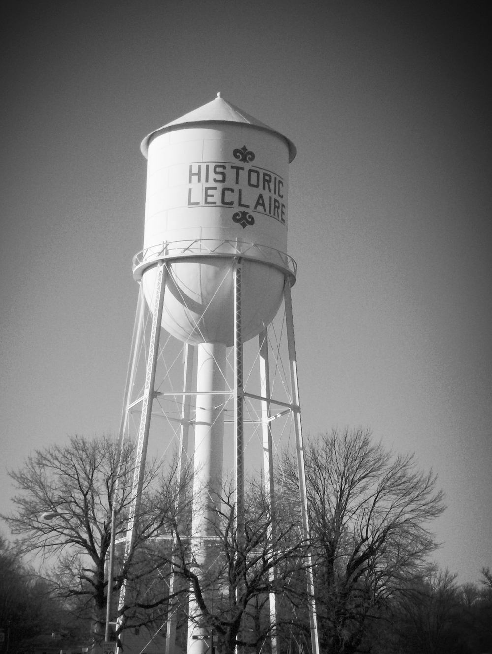 Leclaire_watertower-01.JPG