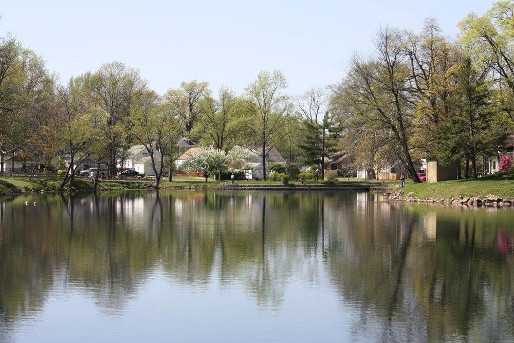 Leclaire Lake.jpg
