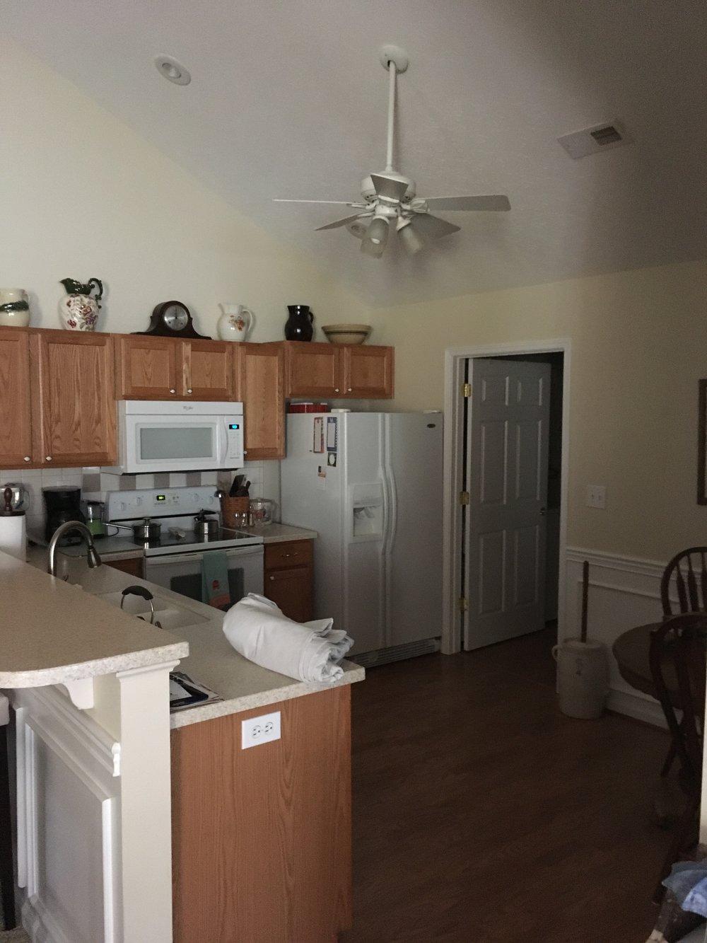 Kitchen 6 a.JPG
