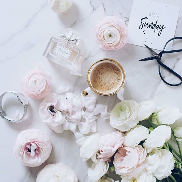 Oh HELLO Sunday indeed! 🌸 #shewhois (📷:@minimaliving)