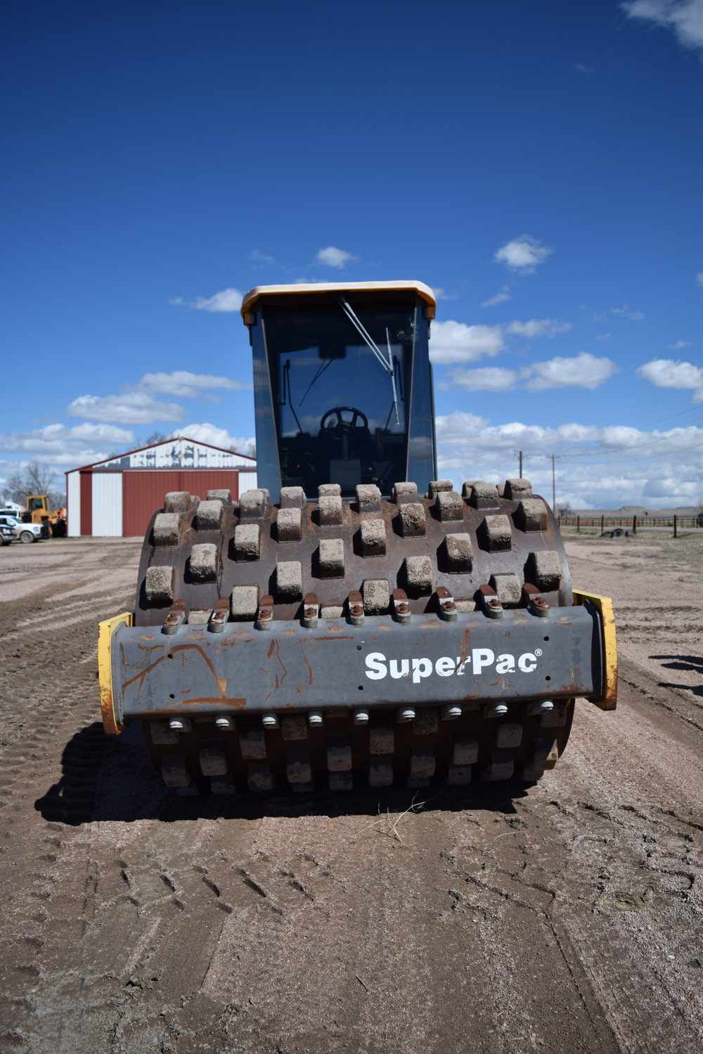 Super Pac 8410 sheep foot packer, 1,112 hrs., Cummins diesel