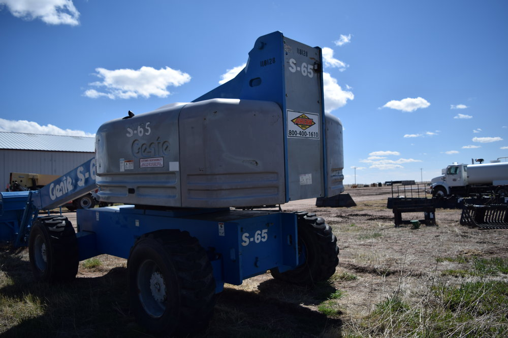 Genie S-65 4x4 manlift.