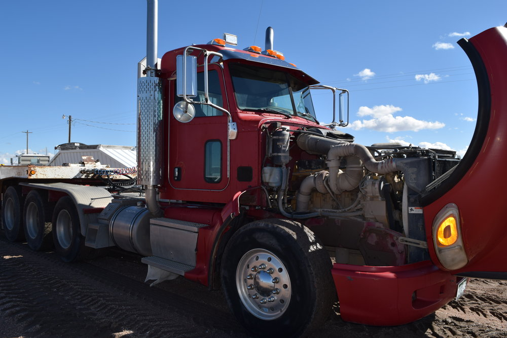 2007 Peterbilt, C-15 Cat, 800 h.p., 18sp., 3 axle, heavy front axle, wet kit, 226,611 mi