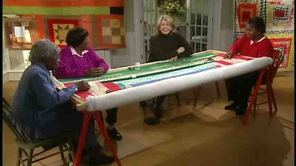 Gee's Bend Ladies - Showing Martha Stewart how the patterns are made.
