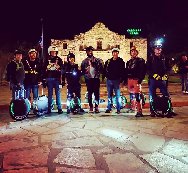 Gliding around downtown San Antonio with a stop at the Alamo! #electricglider #electricunicycle #gotway #kingsong