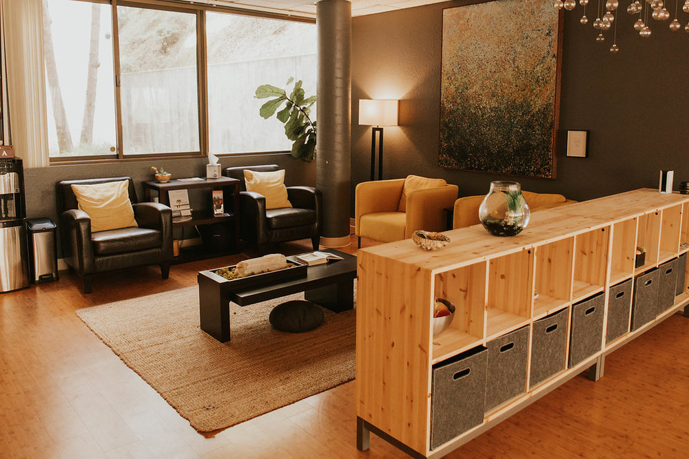 San Diego Chiropractor - Waiting Lounge.jpg