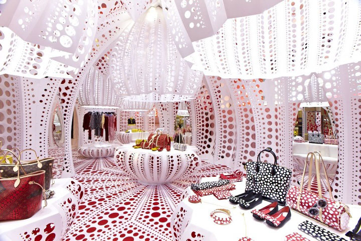 Louis-Vuitton-Selfridges-Yayoi-Kusama-London-01.jpg