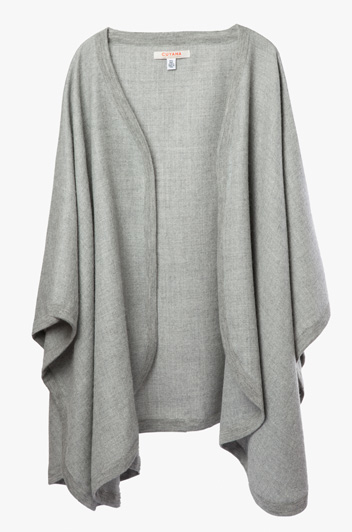 CLASSIC ALPACA CAPE FROM PERU by CUYANA