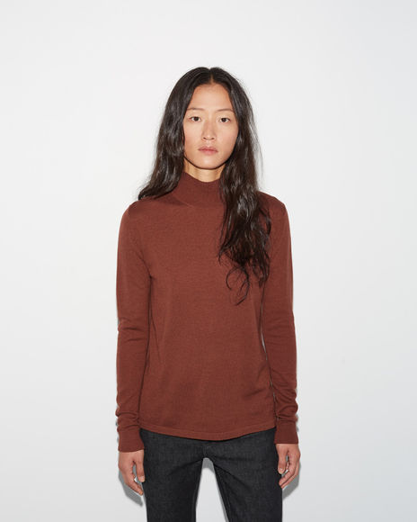 Portrait Turtleneck by MODERNE