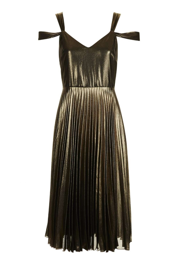 How To Wear Metallics on NY Eve via DNAMAG