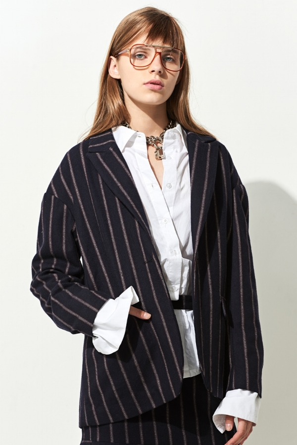 Shop oversized blazers via DNAMAG