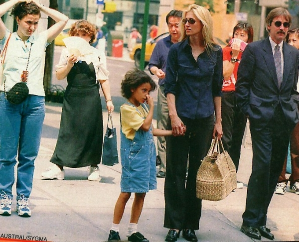 Fashion's first street-style star .. Carolyn Bessette-Kennedy via DNAMAG