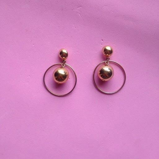 DNAMAG - Vintage Gold Ball Hoop Earrings