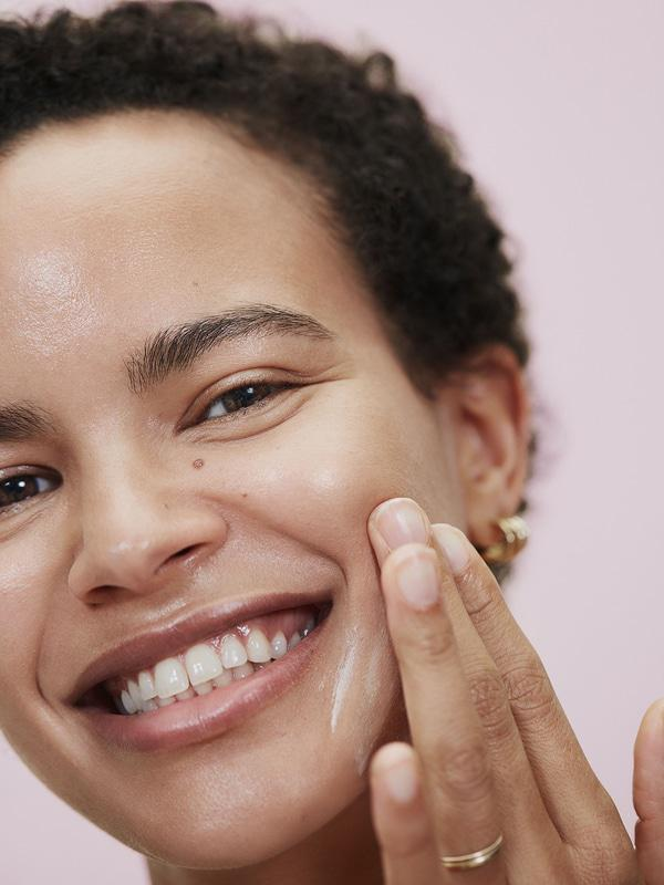 Stay primed with Glossier Priming Moisturizer
