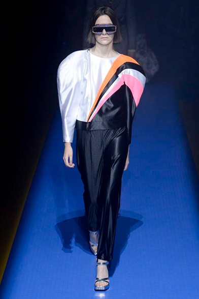 Gucci ss18 is glam on glam via DNAMAG