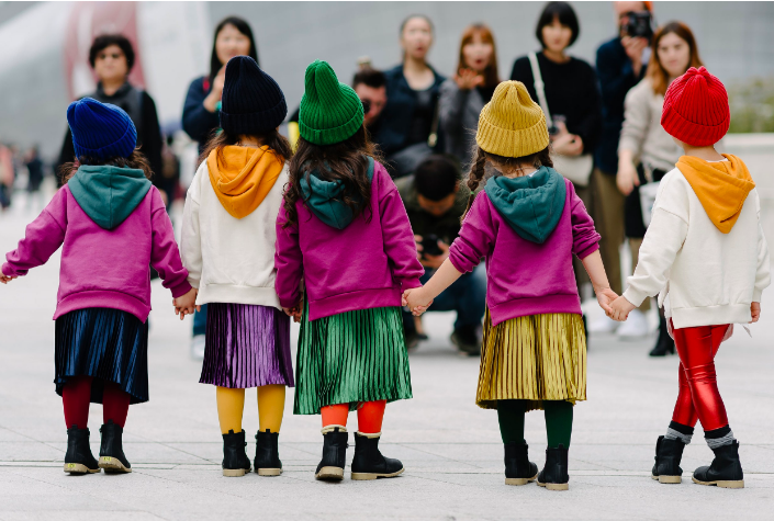 streetstyle happened at Seoul Fashion Week ... round-up at DNAMAG