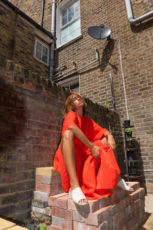- RED DRESS ❌ THE PETTICOAT